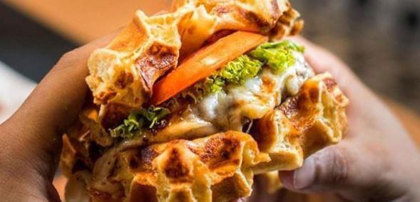Le waffle burger: mi-hamburger mi-gaufre